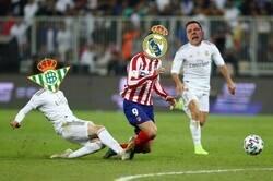 Enlace a El Betis le complica La Liga al Madrid
