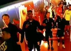 Enlace a El desprecio de Messi a Rakitic en el túnel de vestuarios que está dando muchísimo que hablar