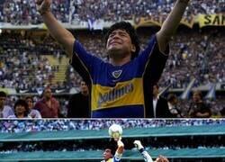 Enlace a El personaje, el jugador, el Diego cumple hoy 60 años.