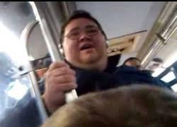 Enlace a California Girls cantada por un gordo en el tren