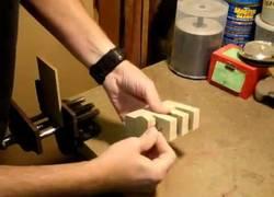Enlace a El truco de clavo en la madera (explicación)