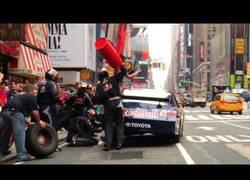 Enlace a Nascar Pit Stop en Times Square