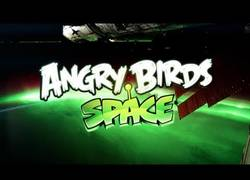 Enlace a Angry Birds en el espacio
