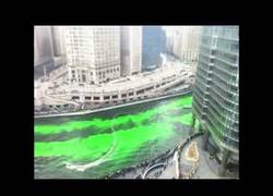 Enlace a Timelapse: Y así se tiñe un río de verde