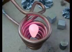 Enlace a Fundiendo aluminio por inducción