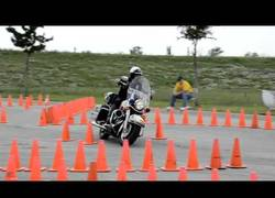 Enlace a Increíble dominio de la moto