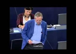 Enlace a Eurodiputado de IU critica el tema de los desahucios culpando a bancos y a la propia Unión Europea
