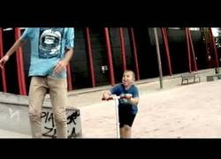 Enlace a Cuidado cuando vayas al skate park, puede cruzarse un niño en patinente en cualquier momento