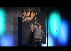 Enlace a ¿Quién dice que la pintura no puede ser un verdadero espectáculo? ¡David Garibaldi lo hace!