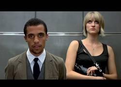 Enlace a Racismo en el ascensor (inglés)