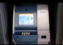 Enlace a Unos ladrones brasileños sustituyen un cajero para robar información de tarjetas de crédito