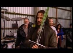 Enlace a El último día de Viggo Mortensen como Aragorn, con Haka incluido [Inglés]