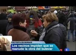 Enlace a Un vecino corrige a un perdiodista de RNE que según él estaba mintiendo sobre la protesta de Burgos