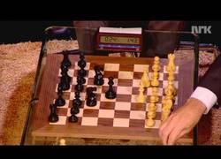 Enlace a Magnus Carlsen le gana a Bill Gates una partida de ajedrez en 71 segundos