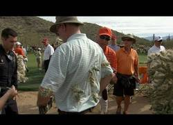 Enlace a Ver el golf puede ser peligroso [1:40]