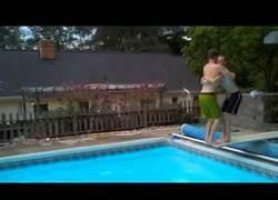 Enlace a Mortal cooperativo en la piscina