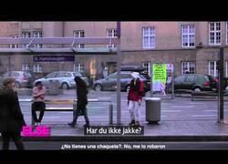 Enlace a ¿Qué harías si ves a un hombre pasando frío de verdad en la calle?