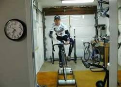 Enlace a ¿Bicicletas estáticas? ¡Eso es para novatos! Yo me quedo con mi nuevo invento