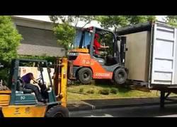 Enlace a ¿Tenéis que meter esa caja al fondo del camión? ¡Ningún problema!