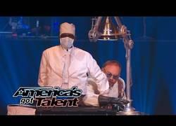Enlace a El ilusionismo de estos tíos, ¡increíble! (America's Got Talent)