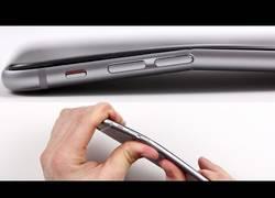 Enlace a Cuidado: El iPhone 6 se dobla fácilmente