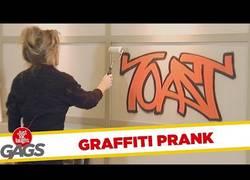 Enlace a ¿El graffiti no estaba ahí? (Cámara oculta)