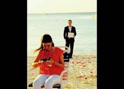 Enlace a ¡Mira cómo es la propuesta de matrimonio de este chico!¡Qué currada!