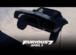 Enlace a Así se rodó la escena de los coches paracaidistas en Fast & Furious 7 ¡Sin efectos especiales!