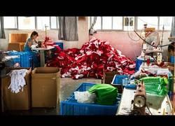 Enlace a Si compras en los chinos verás qué espíritu navideño se repira