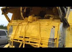 Enlace a Esto es lo que pasa cuando tu camión choca con otro que transportaba pintura... amarilla