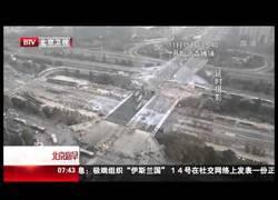 Enlace a En China tiran un puente y levantan otro en 43 horas. ¡ESPECTACULAR!