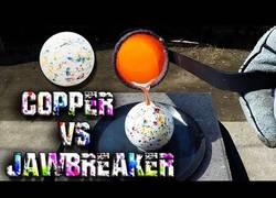 Enlace a ¿Qué pasa si se vierte cobre fundido sobre una bola de caramelo? El sorprende resultado