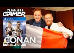 Enlace a Conor McGregor probando el videojuego UFC 2 con Conan O'Brien