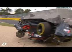 Enlace a Así protege el monoplaza a Fernando Alonso tras este brutal accidente