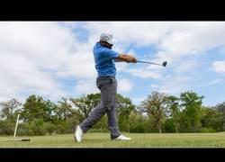 Enlace a Unas habilidades en golf que te van a dejar alucinando