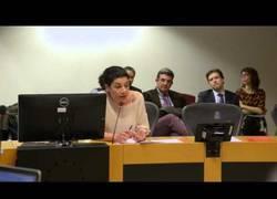 Enlace a Otro caso más: Una madre pide que se hable en español a su hija en Cataluña y la marginan