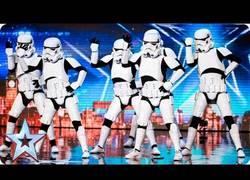 Enlace a Parece que los Stormtroopers no tienen puntería pero sí ritmo