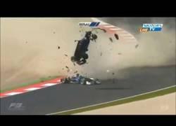 Enlace a Brutal accidente en una carrera de Fórmula 3. Los pelos de punta al verlo...