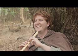 Enlace a El Hobbit tocada con la flauta