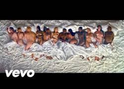 Enlace a El polémico vídeo de Kanye West por sacar a varios famosos desnudos