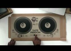 Enlace a Las cajas de pizza para pinchar como un auténtico DJ que comercializará Pizza Hut
