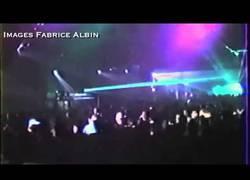 Enlace a En los 90, así daba Daft Punk los conciertos