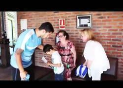 Enlace a El enorme gesto de Luis Suárez en Uruguay con un niño con el síndrome