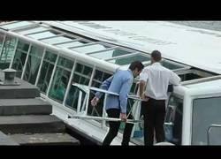 Enlace a Una escalera siempre es últil en todas partes [Inglés]