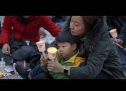 Enlace a Multitudinaria manifestación contra la corrupcion en corea que provoca dimisión de la presidenta