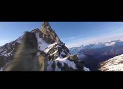 Enlace a El alucinante viaje con un dron por las montañas de Suiza