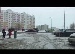 Enlace a En Rusia hace tanto frío que hasta las barreras tiemblan de frío