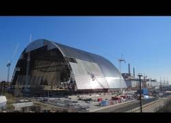 Enlace a La increíble instalación de arco en el sarcófago de la central nuclear de Chernobyl