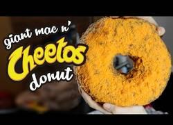 Enlace a Crean un donut de Cheetos de 8950 calorías que podría acabar con tu vida