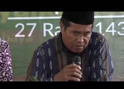 Enlace a MUY FUERTE: Muere este famoso orador indonesio mientras recitaba versos del Corán